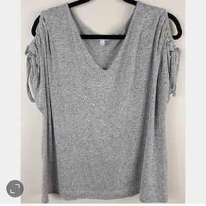 Lucky Brand  Tie sleeves v-neck shirt